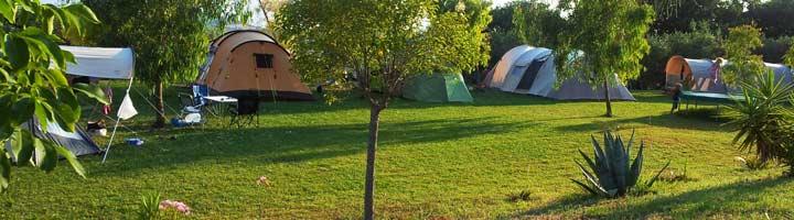 Het camping veld van de kleine camping