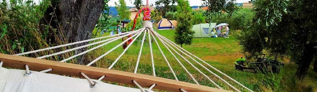 Hangmatten bij Kleine camping Villa Bussola