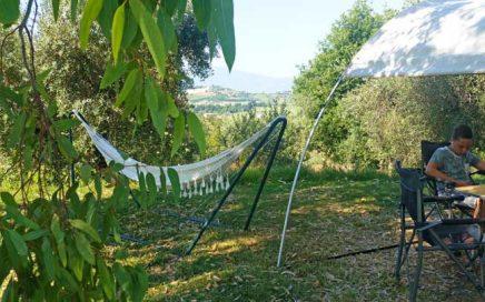 fotowedstrijd. Vakantieaccommodaties Agriturismo en kleine camping Villa Bussola is een vakantieadres waar u uiterst gastvrij ontvangen wordt in een prachtige, rustige omgeving. Of u nu de voorkeur geeft aan kamperen met de tent, een B&B kamer of een self-catering vakantie appartement wilt huren, het kan allemaal op onze agriturismo in Le Marche, in midden Italië