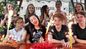 Verjaardag vieren op vakantie bij minicamping Villa Bussola